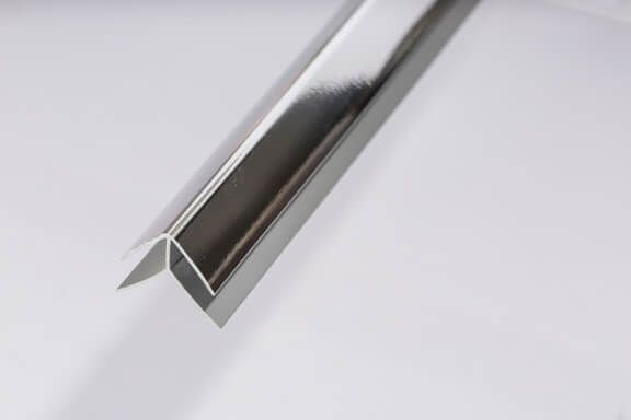 Bathroom & Kitchen Cladding Aqua200/250 PVC External Corner - 2700mm Chrome